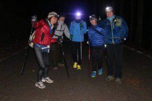真夜中の登山画像