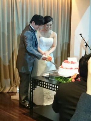 ケーキ入刀写真